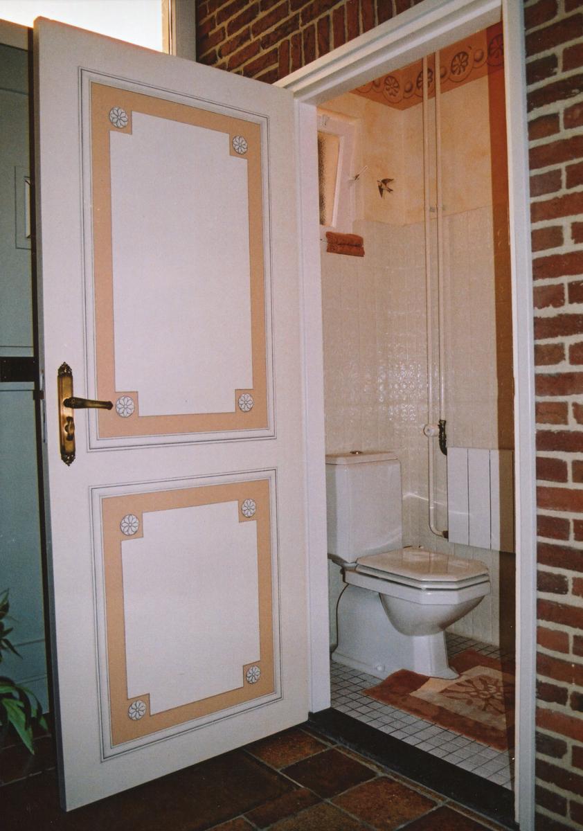 toilet met trompe l'keil zwaluwen decoratief schilderwerk